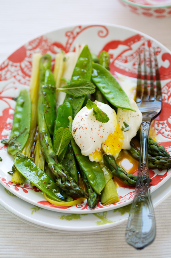 whole soft-cooked eggs oeufs mollets